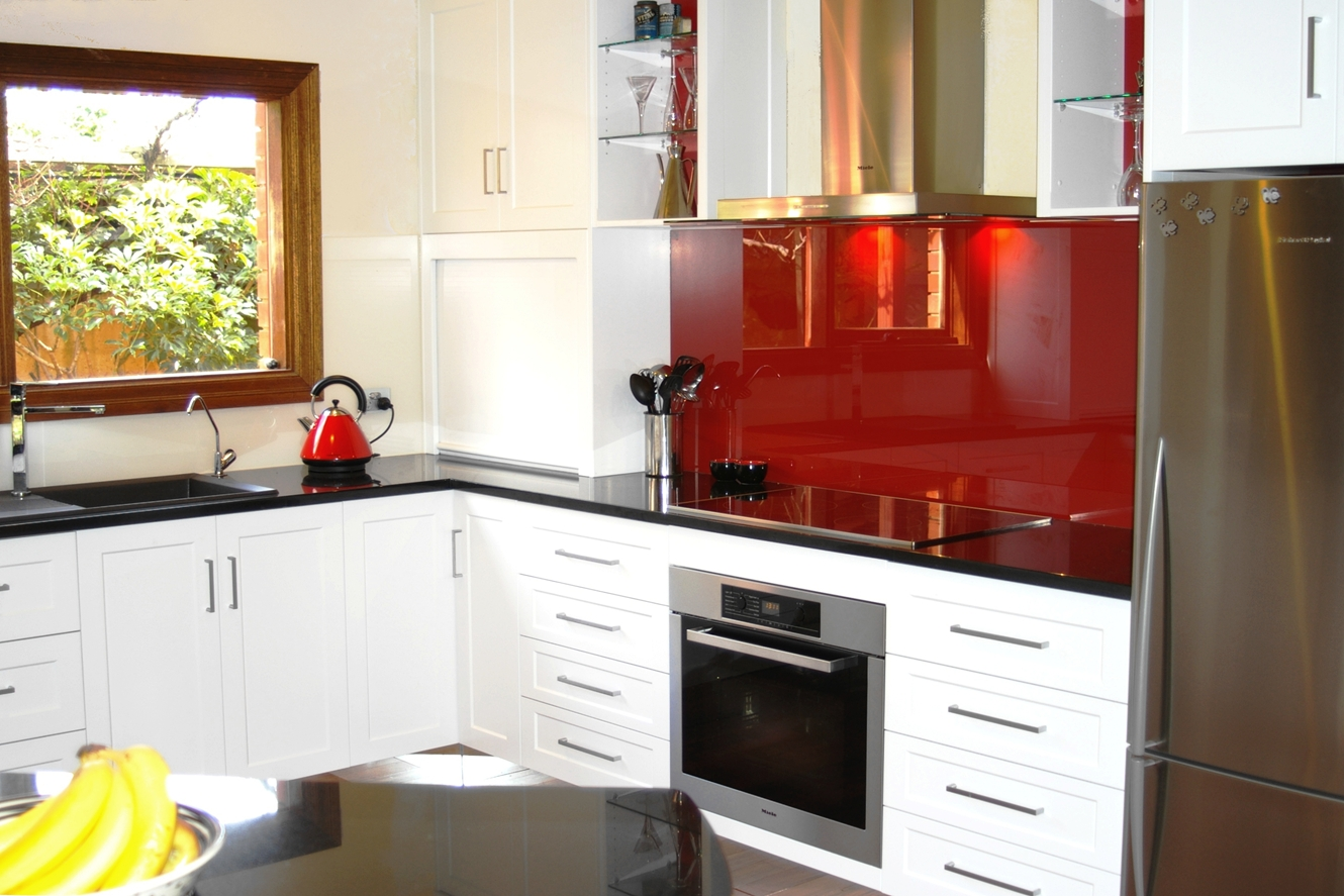 Shaker Kitchen Doors and Modern Glass Splashbacks by Compass Kitchens of Adelaide